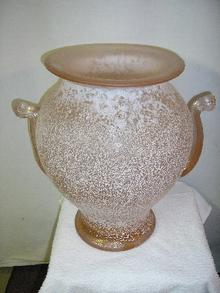 ITALIAN ART GLASS IN RARE ROSE COLOR BY SEGUSO