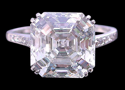 Big asscher center diamond 3.16 ct. ring jewelry gold