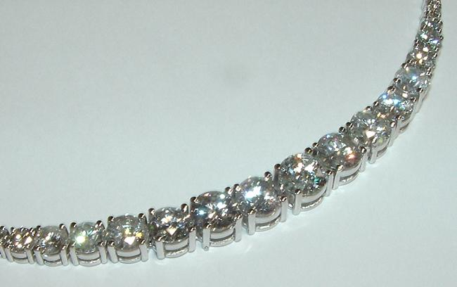 11.21 carats big Diamonds necklace tennis graduated
