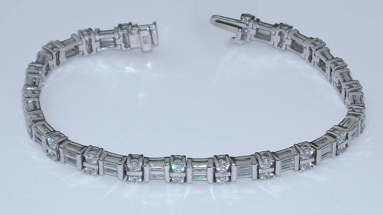 8 carat DIAMONDS TENNIS BRACELET VS baguettes and round 14K WHITE GOLD