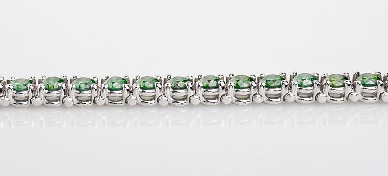 Fancy green diamonds tennis bracelet 14.04 carat new