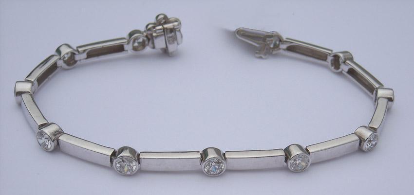 5.5 carat DIAMOND Tennis Bracelet VS full bezel white gold new