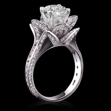 5 carat diamonds flower shape engagement ring gold new