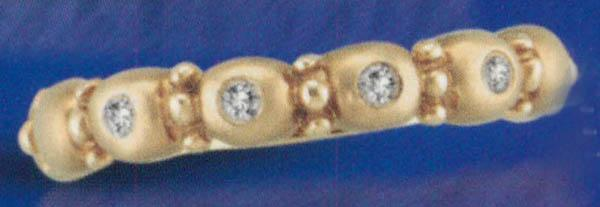 Sparkling 0.05 carat diamond yellow gold 14K anniversary band jewelry