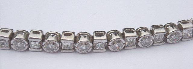 6.5 carats diamond tennis bracelet princess round bezel