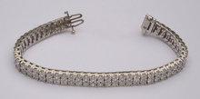 28.8 carats DIAMOND TENNIS CARPET BRACELET VS jewelry
