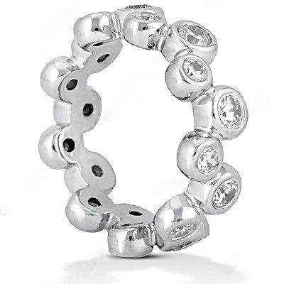 Gorgeous 1.0 Ct. E VVS1 diamonds eternity wedding band