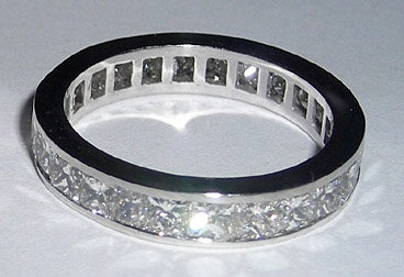 2.5 carats Band with princess cut diamonds
