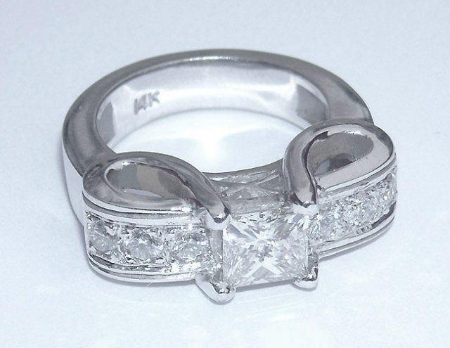 1.66 carats princess cut pave diamond engagement ring