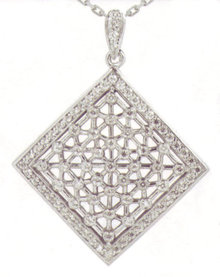 4.35 carats F VVS1 Rhombical diamond pendant jewelry
