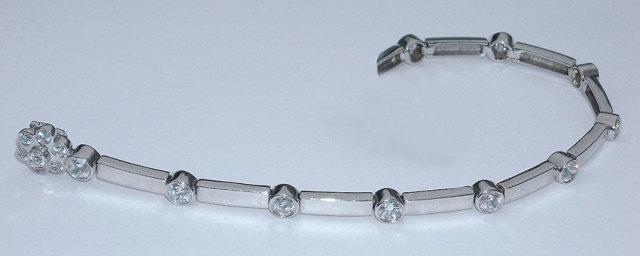 5.5 carats DIAMOND TENNIS BRACELET VS full bezel new