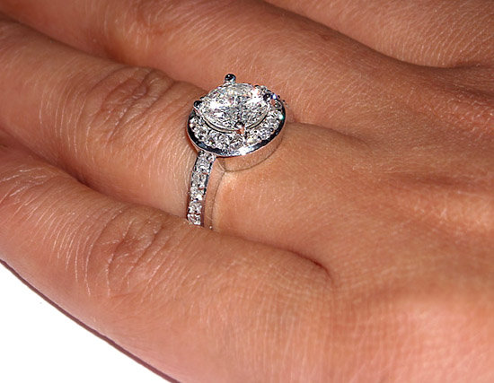 2.51 ct F VS1/VVS1 solitaire round diamond ring PAVE