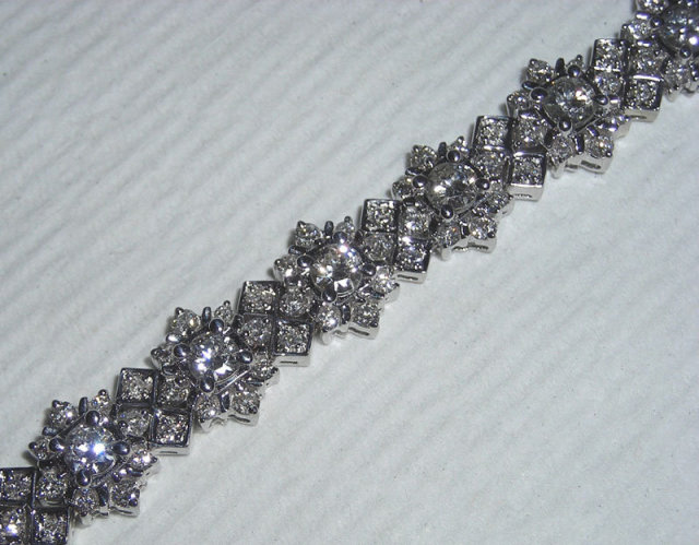 8 carats GORGEOUS tennis bracelet antique look jewelry