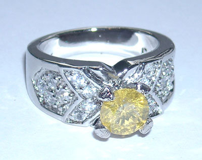 2.75 carats FANCY YELLOW CANARY DIAMOND engagement ring