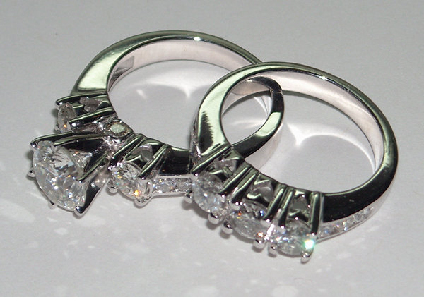 2.75 carats ROUND DIAMONDS RING HEART SET CUSTOMIZED