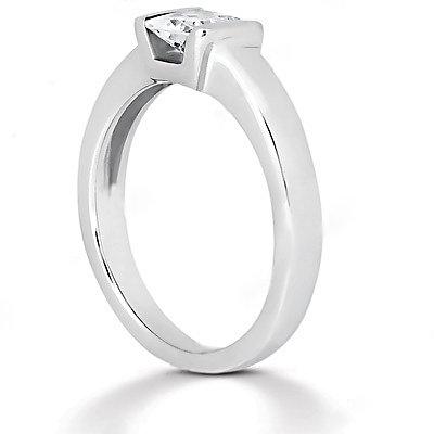 White gold diamond solitaire ring E VVS1 diamond 1.5 ct