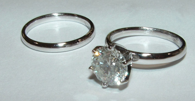 Diamonds 2 carat DIAMOND solitaire ring G VS1 gold