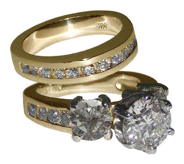 4 carat diamonds yellow gold ring with white prong