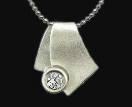 2 carat diamond solitaire pendant F VS1 gold necklace