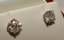 Platinum 2.51 ct. F VVS1 round diamonds stud ear rings