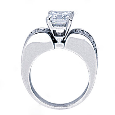 4.25 cts. diamond engagement ring solitaire with accent