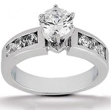 Beautiful G SI1 diamonds 1.35 ct. gold engagement ring