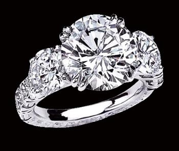 Big diamond ring 6 ct. diamonds 3 stone ring white gold