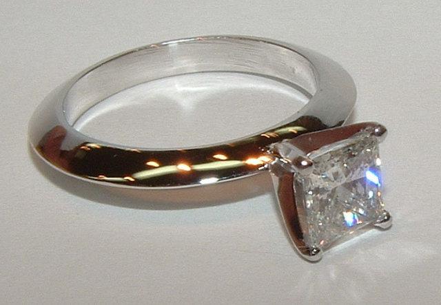 0.75 carat princess diamond solitaire engagement ring