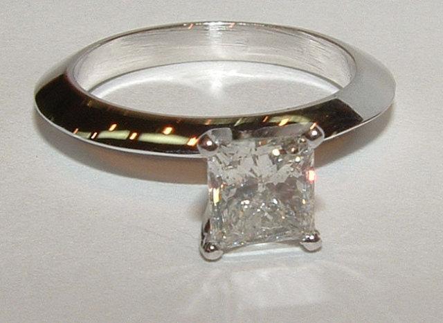 1.25 carat princess diamond solitaire engagement ring