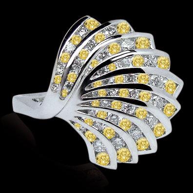 White & yellow canary diamonds 3 carats pin gold white