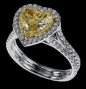 Heart canary & white diamonds ring 3.51 carat two tone
