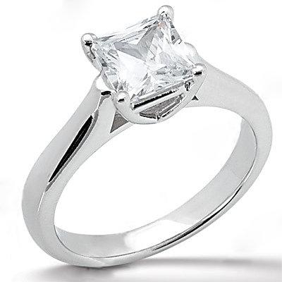 E VVS1 diamond solitaire ring 1.0 CT. princess cut gold