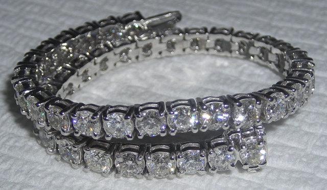 TENNIS BRACELET 14 carat DIAMONDS sparkling white gold