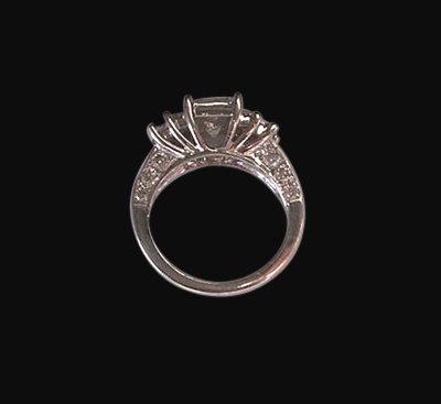 Big princess diamond 6 carat wedding ring white gold