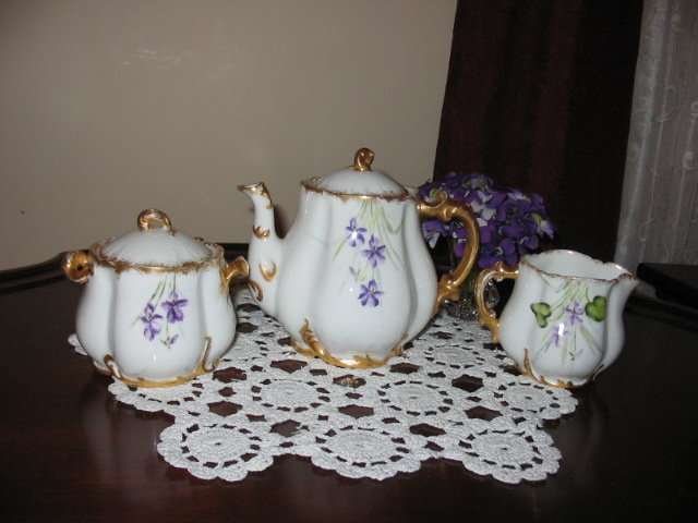 EARLY HAVILAND H. P. TEA SET