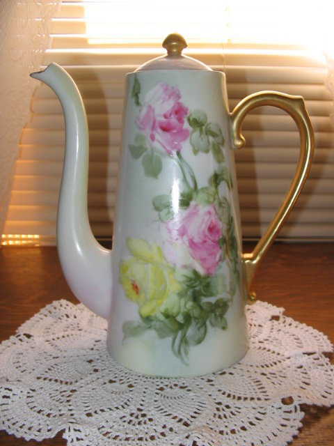 T & V LIMOGES H. P. ROSES TEA POT