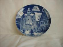 Royale's 1971 Christmas Day Plate, Christmas Night in a Village