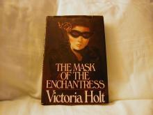 The Mask of the Enchantress by Victoria Holt