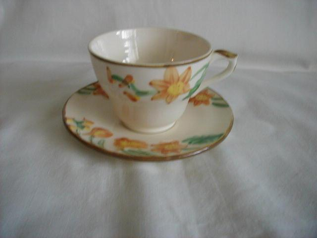 Star-like flower pattern Cup and saucer
