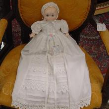 1998 Goebel Musical Dolly Dingle Doll - signed