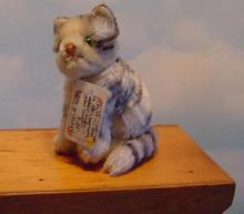 Steiff - 12cm  Sitting Suzi -  Tabby Kitten (B)