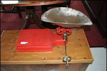 Antique Collectible Kitchen or Store Weight Scale Machine