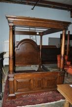 Full/Queen Pulaski Sloan Street Canopy Bed Mahogany