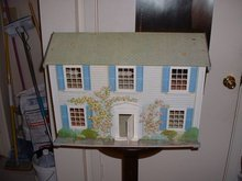 1950's metal dollhouse by Today's Kids of Booneville, Arkansas