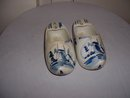Pair of 1950's Delft blue and white Dutch shoe ashtrays both marked Delft