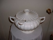 1950's Vintage Calif C 609 milk soup tureen w lid & serving spoon