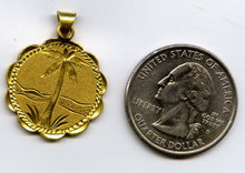 18 karat solid gold Persian Iranian Palm Tree pendant