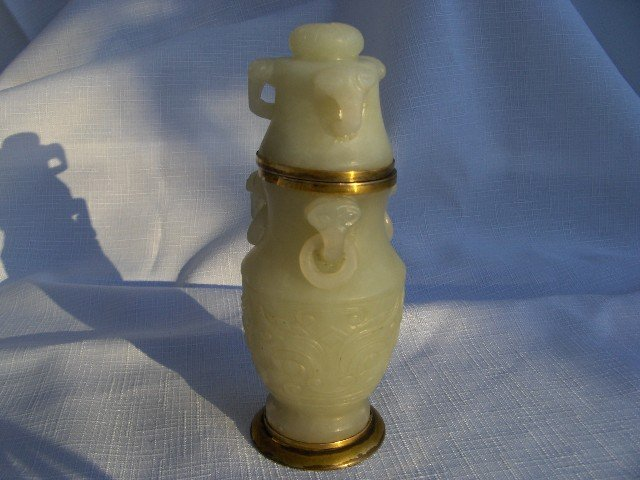 Hand Carved Faux Jade Table Strike Lighter