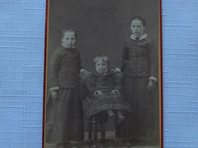CDV  Portrait  of  Three Children