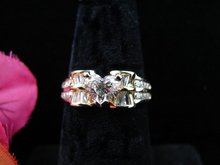 Lady's 18K Diamond Heart Ring
